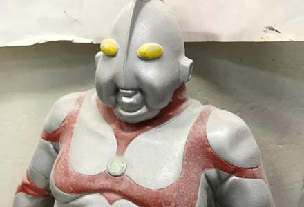 奥特曼的人间体原来是那个人吗!? 圆谷前副社长冈部淳公开变胖了的奥特曼模型