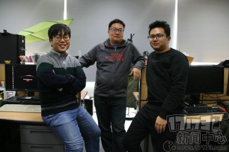 从左到右:《天堂》中国区域策划李商奎、《天堂》全球负责人徐范锡、《天堂》海外团队总负责人赵树堃