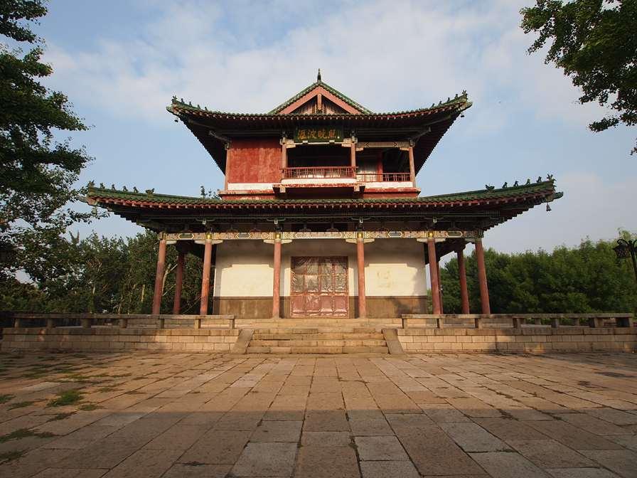 汇波楼_-_Huibo_Tower_-_2012.06_-_panoramio.jpg